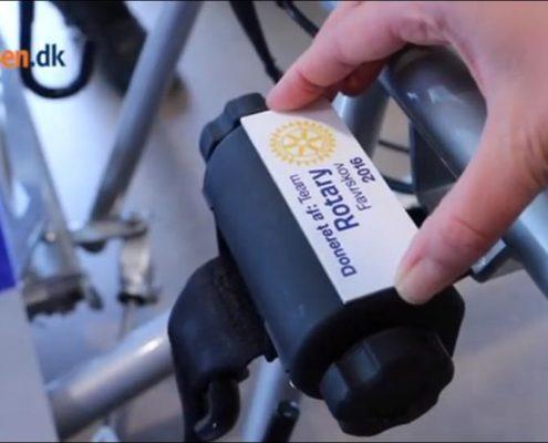 Team Rotary Favrskov donerer speciel el-cykel til handicapområdet i Favrskov kommune