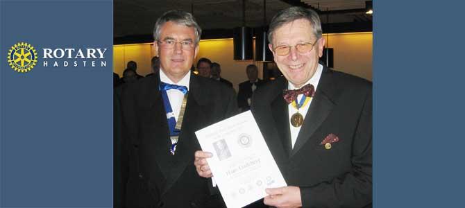 2005: Hans Gadeberg hædres med Paul Harris med Safir i Hadsten Rotary Klub