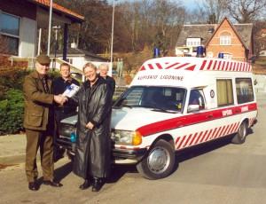 2001: Hadsten Rotary Klub donerer ambulance til hospital i Litauen