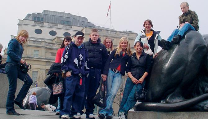 Rotary Ungdomsudveksling i 2005 med Hadsten Rotary Klubs engelske venskabsklub i Diss.<br />En gruppe unge mellem 14 og 17 år var i Hadsten i maj, og de unge fra Hadsten var på genvisit i Diss i sommerferien samme år.